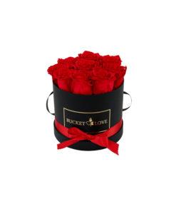 mali bucket prepariranih vrtnic rdeče barve