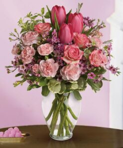 A rosy mixed bouquet